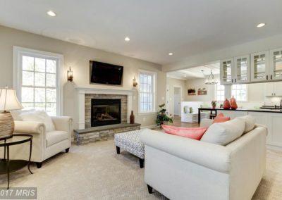 FA9611887 - Living Room